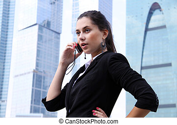 kobieta handlowa, gmach, nowoczesny, telefon