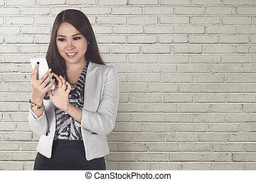 kobieta handlowa, ruchoma głoska, asian, używając, uśmiechanie się