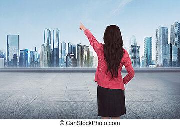 kobieta handlowa, spoinowanie, przestrzeń, pociągający, coś, opróżniać, asian