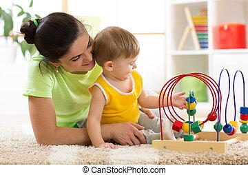 kobieta i dziecko, gra, w, pokój dziecinny