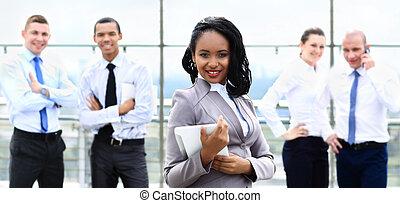 kobieta interesu, afrykanin, do góry, amerykanka, zamknięcie, portret, szczęśliwy
