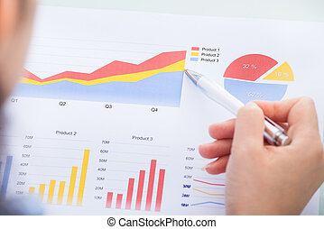kobieta interesu, analizując, wykres