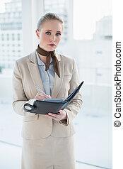 kobieta interesu, blondynka, pamiętnik, pociągający, dzierżawa