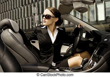 kobieta interesu, jazda wóz