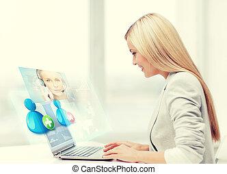kobieta interesu, komunikowanie, z, helpline, operator