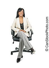 kobieta interesu, krzesło, czarnoskóry, biuro, posiedzenie