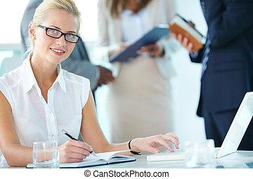 kobieta interesu, na pracy