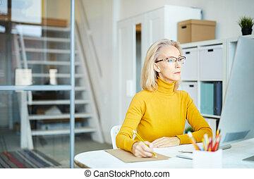 kobieta interesu, praca, dojrzały