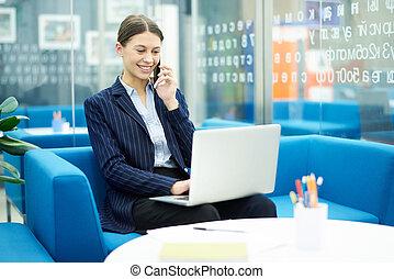 kobieta interesu, praca, młody