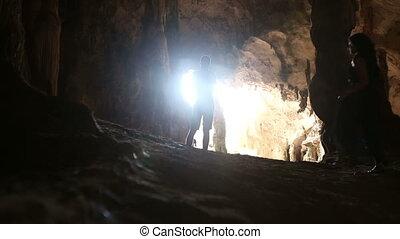 kobieta, jaskinia, przechadzki