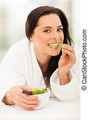 kobieta jedzenie, pociągający, sałata, młody