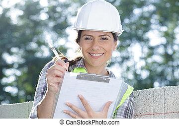 kobieta, kloce, pisanie, niezależnie, konkretny, clipboard, stóg