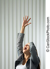 kobieta krzycząca