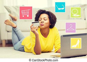 kobieta, laptop, kredyt, afrykanin, karta, szczęśliwy