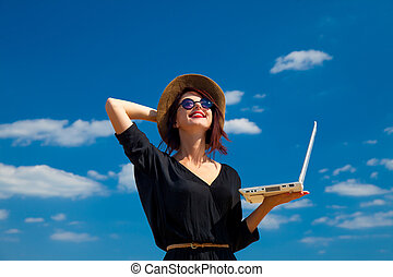 kobieta, laptop, młody