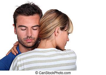 kobieta, młody mężczyzna, obejmowanie