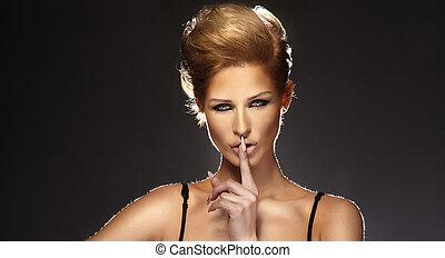 kobieta, młody, shushing, spokojny, gesturing, albo