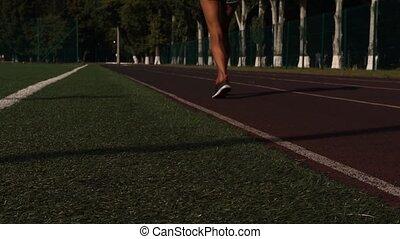 kobieta, młody, wyścigi, zielony, plac gier i zabaw, trawa