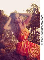 kobieta, magia, piękno, czary, halloween., fire., forest., świętując, drewna, czarownica, dziewczyna
