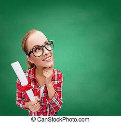 kobieta, monokle, czarnoskóry, dyplom, uśmiechanie się