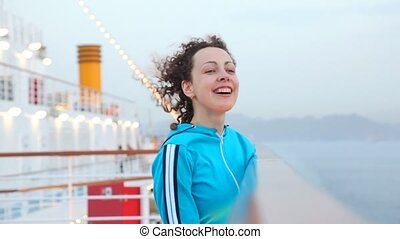 kobieta, na, statek rejsu, w, morze