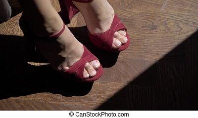 kobieta, nogi, obuwie, czerwony