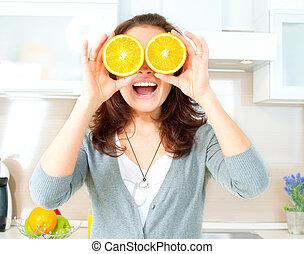 kobieta, oczy, na, pomarańcza, kuchnia, zabawny