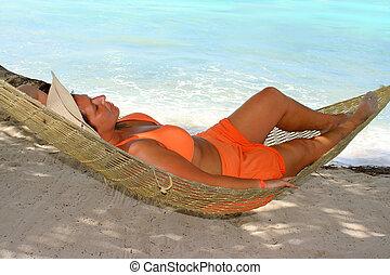 kobieta, plaża, hamak