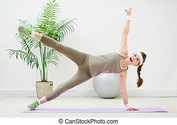 kobieta, podłoga gimnastyka, stosowność, zrobienie, szczęśliwy