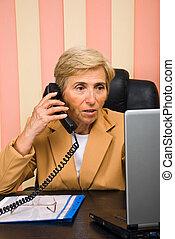 kobieta, pracujący, handlowe biuro, senior