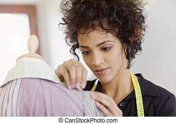kobieta, pracujący, w, fason zamiar, studio