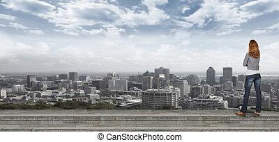 kobieta przeglądnięcie, na, miejski krajobraz