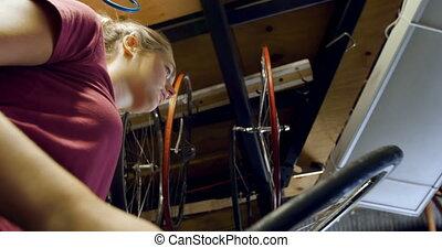 kobieta, rower, kontrola, warsztat, 4k, opona