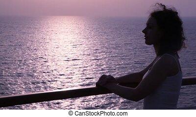 kobieta, sylwetka, stoi, pokład, statek rejsu