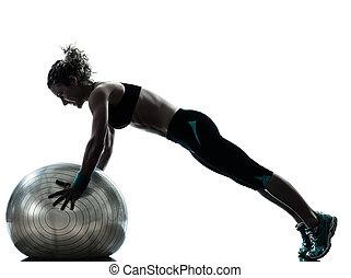 kobieta, sylwetka, trening, wykonując, piłka, stosowność