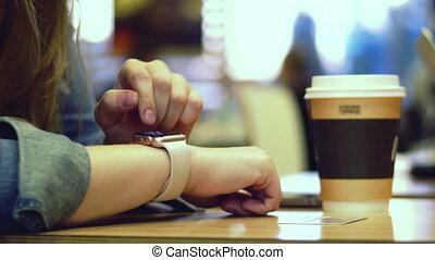kobieta, tabliczka, ręka, commuters, pc komputer, tło, używając