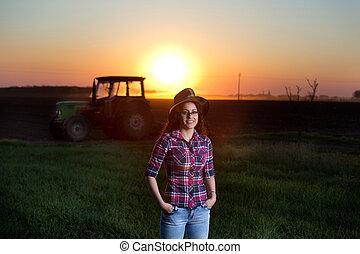 kobieta, traktor