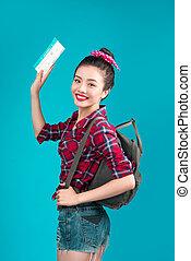 kobieta, travel., młody, piękny, asian kobieta, podróżnik, z, powietrze, bilet, na, błękitne tło