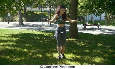 kobieta, trening, boks, słoneczny, młody, wysmukły, skokowy sznur, outdoors, dzień