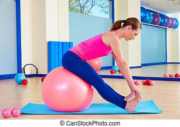 kobieta, trening, piłka, fitball, pilates, szwajcarski, ruch