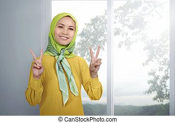 kobieta, udzielanie, pokój, młody, znak, asian, muslim