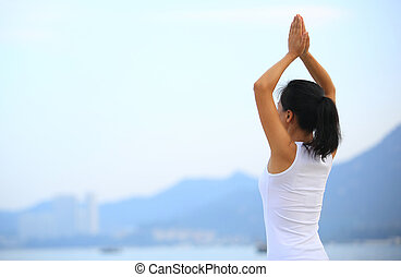 kobieta, wybrzeże, stosowność, yoga