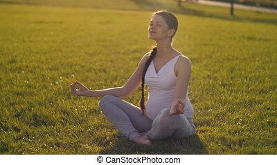 kobieta, yoga, brzemienny