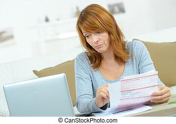 kobieta, z, dzioby, i, komputer