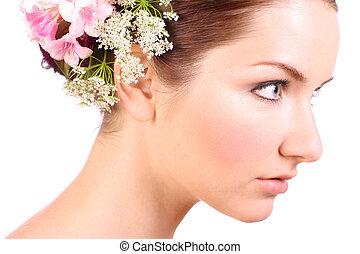 kobieta, z, kwiaty, w, jej, włosy
