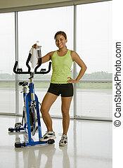 kobieta, z, ruch, bicycle.