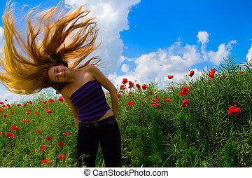 kobieta, z, ruchomy, włosy, w, mak, pole