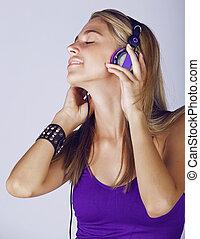 kobieta, z, słuchawki