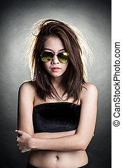 kobieta z sunglasses, fason, portret
