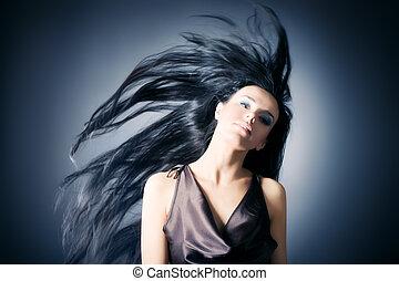 kobieta, z, trzepotliwy, włosy